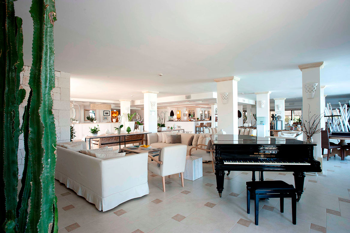 Canne Bianche hall hotel five stars